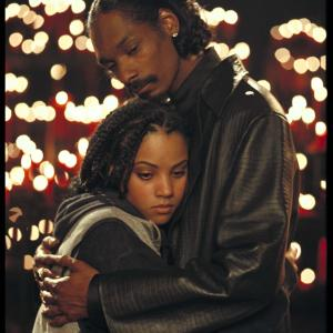 Still of Snoop Dogg and Bianca Lawson in Bones (2001)