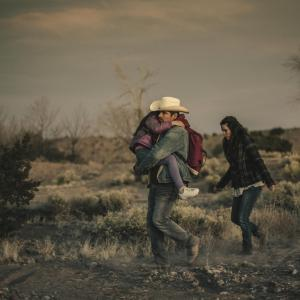 Still of Eva Longoria and Michael Peña in Frontera (2014)