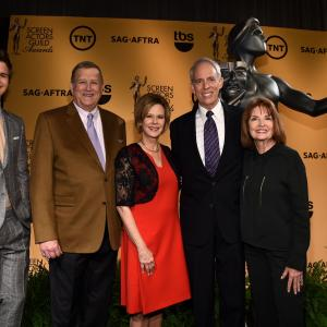 JoBeth Williams, Daryl Anderson, Ken Howard, Eva Longoria, Ansel Elgort