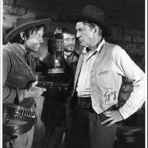 Still of Gary Cooper, Royal Dano and Jack Lord in Man of the West (1958)