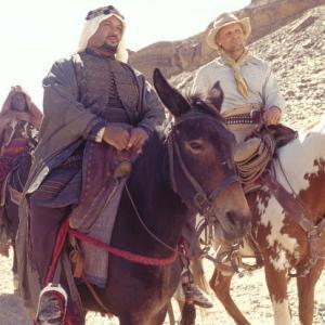 Still of Viggo Mortensen, Adam Alexi-Malle and Peter Mensah in Hidalgo (2004)