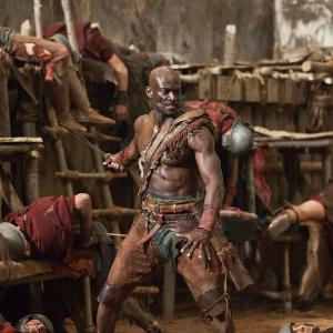 Still of Peter Mensah in Spartacus: Blood and Sand (2010)