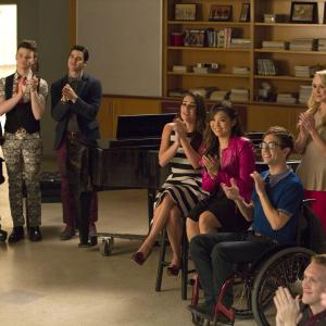 Still of Lea Michele, Kevin McHale, Chris Colfer, Jenna Ushkowitz and Amber Riley in Glee (2009)