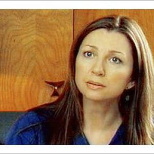 Donna Murphy as Heather Olshansky on CBS Hack