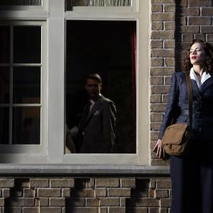 Still of Chad Michael Murray and Hayley Atwell in Agent Carter (2015)