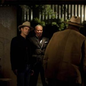 Still of Neal McDonough Timothy Olyphant and Mykelti Williamson in Justified 2010