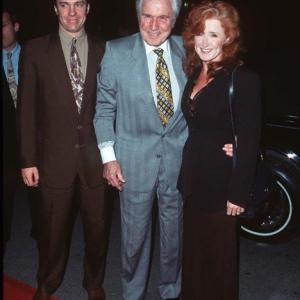 Michael O'Keefe, Bonnie Raitt and John Raitt at event of Ghosts of Mississippi (1996)