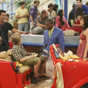 Still of Phill Lewis Kim Rhodes Cole Sprouse Dylan Sprouse and Robert Torti in The Suite Life on Deck 2008