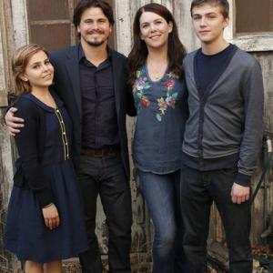 Still of Lauren Graham, Jason Ritter, Mae Whitman and Mark Cyr in Parenthood (2010)
