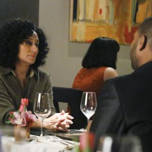 Still of Anthony Anderson and Tracee Ellis Ross in Blackish 2014