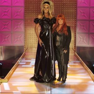 Still of RuPaul and Wynonna Judd in RuPauls Drag Race 2009