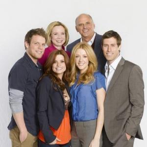 Still of Jennifer Finnigan, Kurt Fuller, JoAnna Garcia Swisher, Debra Jo Rupp, Josh Cooke and Jake Lacy in Better with You (2010)