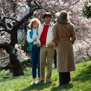 Still of Catherine Hicks and Ron Silver in Garbo Talks (1984)