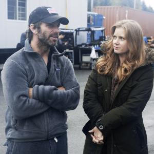 Amy Adams and Zack Snyder in Zmogus is plieno (2013)