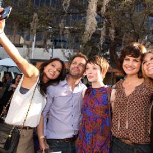 Carla Gugino, Emily Browning, Zack Snyder, Jamie Chung and Deborah Snyder at event of Legend of the Guardians: The Owls of Ga'Hoole (2010)