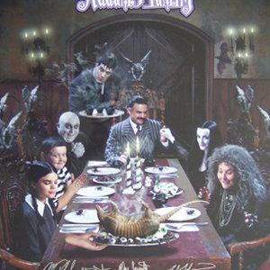 Michael Roberds John DeSantis Steven Fox Nicole Fugere Ellie Harvie Betty Phillips Brody Smith and Glenn Taranto in The New Addams Family 1998