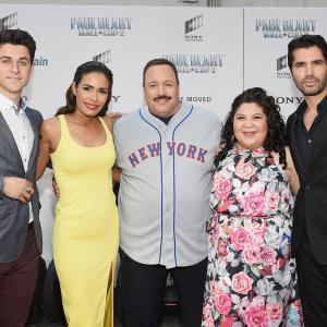 Daniella Alonso, Kevin James, Eduardo Verástegui, David Henrie and Raini Rodriguez at event of Paul Blart: Mall Cop 2 (2015)