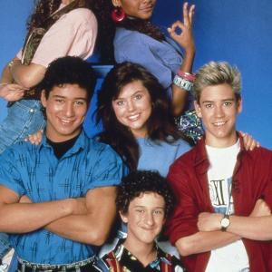 Elizabeth Berkley, Mark-Paul Gosselaar, Tiffani Thiessen, Dustin Diamond, Mario Lopez, Lark Voorhies