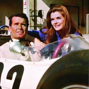 Still of James Garner and Jessica Walter in Grand Prix (1966)