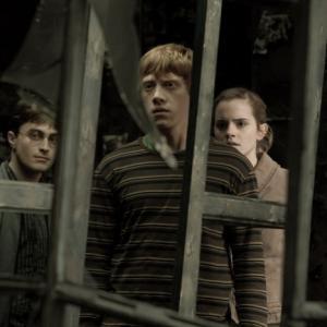 Still of Rupert Grint Daniel Radcliffe and Emma Watson in Haris Poteris ir netikras princas 2009