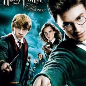 Rupert Grint Matthew Lewis Daniel Radcliffe Emma Watson Bonnie Wright and Evanna Lynch in Haris Poteris ir Fenikso brolija 2007