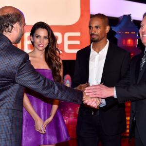 Scott Adsit, Damon Wayans Jr., Genesis Rodriguez and Don Hall at event of Galingasis 6 (2014)