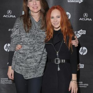 Robin Weigert and Juno Temple