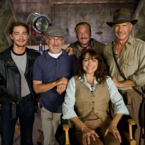Harrison Ford Steven Spielberg Karen Allen Shia LaBeouf and Ray Winstone in Indiana Dzounsas ir kristolo kaukoles karalyste 2008