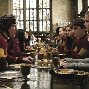 Still of Rupert Grint, Daniel Radcliffe, Emma Watson and Bonnie Wright in Haris Poteris ir netikras princas (2009)