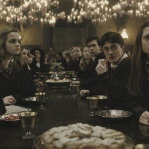 Still of Rupert Grint, Matthew Lewis, Daniel Radcliffe, Emma Watson and Bonnie Wright in Haris Poteris ir netikras princas (2009)