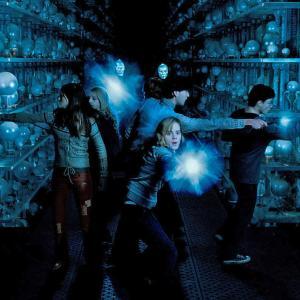 Still of Matthew Lewis, Daniel Radcliffe, Emma Watson, Bonnie Wright and Evanna Lynch in Haris Poteris ir Fenikso brolija (2007)