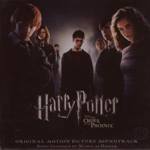 Rupert Grint, Matthew Lewis, Daniel Radcliffe, Emma Watson, Bonnie Wright, Katie Leung and Evanna Lynch in Haris Poteris ir Fenikso brolija (2007)