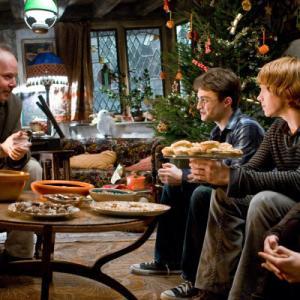 Still of Rupert Grint, Daniel Radcliffe, Bonnie Wright and David Yates in Haris Poteris ir netikras princas (2009)