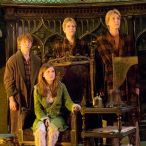 Still of Rupert Grint, Bonnie Wright, James Phelps and Oliver Phelps in Haris Poteris ir Fenikso brolija (2007)