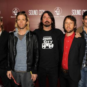 Dave Grohl, Nate Mendel, Pat Smear, Taylor Hawkins, Chris Shiflett, Foo Fighters