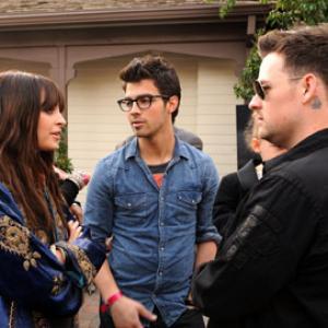 Joel Madden Nicole Richie and Joe Jonas