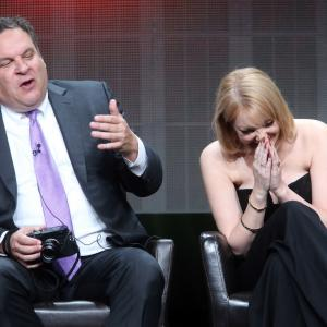 Jeff Garlin, Wendi McLendon-Covey
