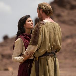 Still of Iain Glen and Morena Baccarin in The Red Tent (2014)