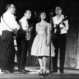 Raymond Woodley, Sid Dolgay, Simone Johnston, Jerry Gray, The Travellers