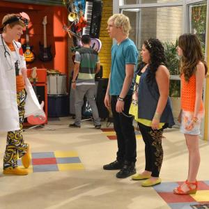 Calum Worthy, Laura Marano, Raini Rodriguez, Ross Lynch