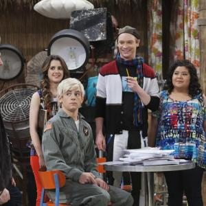 Brendan Hunt, Calum Worthy, Laura Marano, Raini Rodriguez, Ross Lynch
