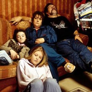 Kathy Burke, Kelly Thresher, Ricky Tomlinson, Finn Atkins