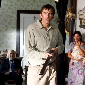 Still of John Dugan and Bill Moseley in Texas Chainsaw 3D 2013