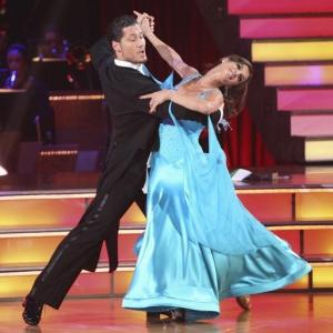 Still of Elisabetta Canalis and Val Chmerkovskiy in Dancing with the Stars (2005)