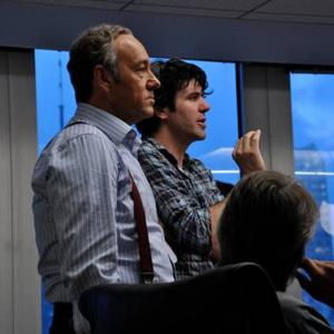 Still of Kevin Spacey and J.C. Chandor in Rizikos riba (2011)