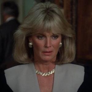 Still of Linda Evans in Dynasty 1981