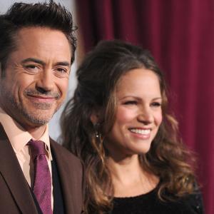 Robert Downey Jr. and Susan Downey at event of Serlokas Holmsas: Seseliu zaidimas (2011)