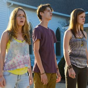 Still of Colin Ford, Britt Robertson and Mackenzie Lintz in Under the Dome (2013)