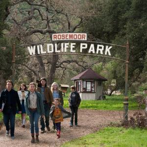 Still of Matt Damon, Patrick Fugit, Scarlett Johansson, Elle Fanning, Colin Ford and Maggie Elizabeth Jones in Mes nusipirkom zoologijos soda (2011)