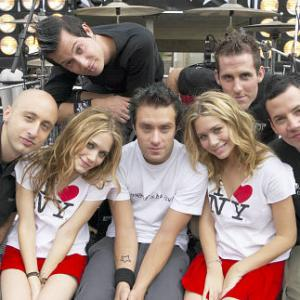 Ashley Olsen, Mary-Kate Olsen, Pierre Bouvier, David Desrosiers, Jeff Stinco, Chuck Comeau